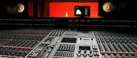 Material acústico en estudio de grabación
